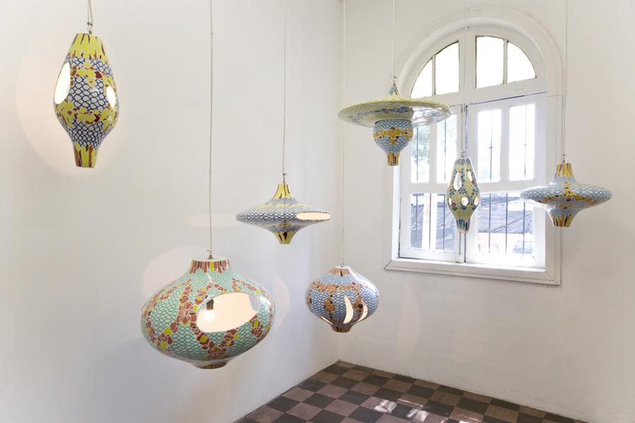 Jorge Pardo, Untitled, 2014. Seven hand-painted ceramic light fixtures, dimensions variable. Courtesy the artist and Cerámica Suro.